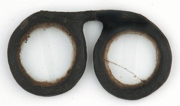 La lunetterie   histoire d une métamorphose   Le Guide De La Vue 3912b2535752